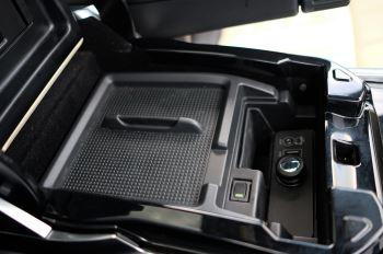 Land Rover Range Rover Sport 5.0 V8 S/C Autobiography Dynamic - 22 Inch Alloy Wheels - LED Signature Lights - 360 Camera image 28 thumbnail