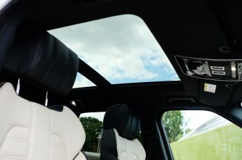 Land Rover Range Rover Sport 5.0 V8 S/C Autobiography Dynamic - 22 Inch Alloy Wheels - LED Signature Lights - 360 Camera image 32 thumbnail