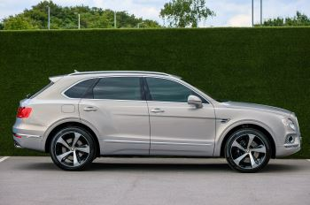 Bentley Bentayga 4.0 V8 - Mulliner Driving Specification with 22 Inch Directional - Black Painted and Polished Alloys image 3 thumbnail