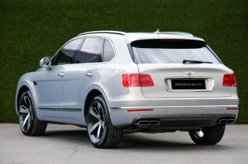 Bentley Bentayga 4.0 V8 - Mulliner Driving Specification with 22 Inch Directional - Black Painted and Polished Alloys image 5 thumbnail