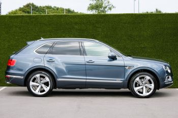 Bentley Bentayga 4.0 V8 5dr - Mulliner Driving Specification - City & Tour Specification image 3 thumbnail