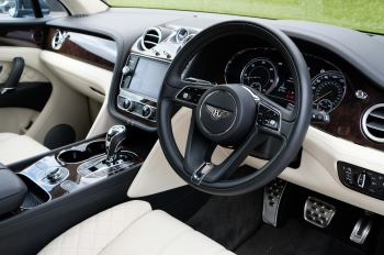 Bentley Bentayga 4.0 V8 5dr - Mulliner Driving Specification - City & Tour Specification image 13 thumbnail