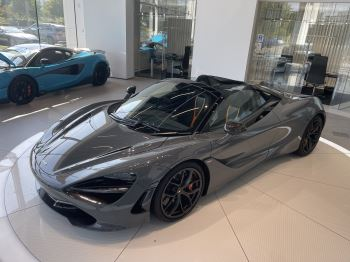 McLaren 720S Spider V8 2 DR PERFORMANCE VERY RARE COLOUR AND FULL CAR PPF image 4 thumbnail