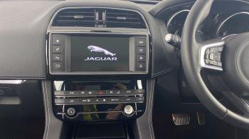 Jaguar F-PACE 2.0d R-Sport AWD - Sliding Panoramic Roof - Rear View Camera image 12 thumbnail