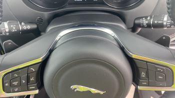 Jaguar F-PACE 2.0d R-Sport AWD - Sliding Panoramic Roof - Rear View Camera image 24 thumbnail