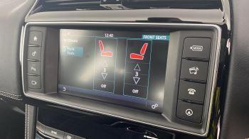 Jaguar F-PACE 2.0d R-Sport AWD - Sliding Panoramic Roof - Rear View Camera image 26 thumbnail