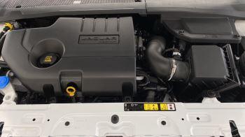 Jaguar E-PACE 2.0d SE AWD - Meridian Sound System - Powered Seats - Satellite Navigation image 16 thumbnail