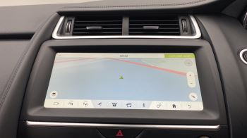 Jaguar E-PACE 2.0d SE AWD - Meridian Sound System - Powered Seats - Satellite Navigation image 22 thumbnail