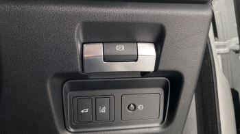 Jaguar E-PACE 2.0d SE AWD - Meridian Sound System - Powered Seats - Satellite Navigation image 26 thumbnail