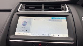 Jaguar E-PACE 2.0d SE AWD - Meridian Sound System - Powered Seats - Satellite Navigation image 27 thumbnail