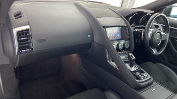Jaguar F-TYPE 3.0 Supercharged V6 R-Dynamic with Panoramic Sunroof and Meridian Surround Sound image 10 thumbnail