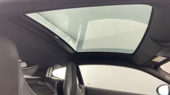 Jaguar F-TYPE 3.0 Supercharged V6 R-Dynamic with Panoramic Sunroof and Meridian Surround Sound image 21 thumbnail