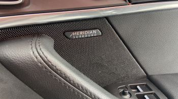 Jaguar F-TYPE 3.0 Supercharged V6 R-Dynamic with Panoramic Sunroof and Meridian Surround Sound image 31 thumbnail