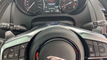Jaguar F-TYPE 3.0 Supercharged V6 R-Dynamic with Panoramic Sunroof and Meridian Surround Sound image 29 thumbnail