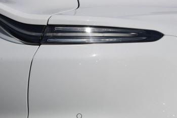 Aston Martin DBX V8 Twin Turbo Massive Spec Low mileage image 13 thumbnail