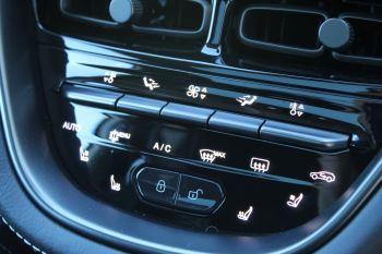 Aston Martin DBX V8 Twin Turbo Massive Spec Low mileage image 20 thumbnail