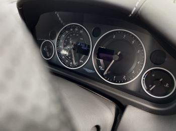 Aston Martin V12 Vantage 2dr v12 manual coupe. Sports Seats . Manual . Ceramic Brakes  image 31 thumbnail