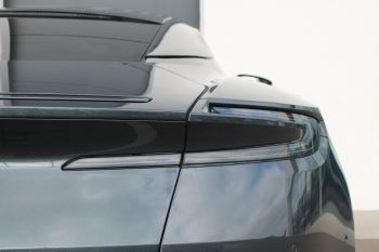 Aston Martin DB11 V12 AMR 2dr Touchtronic FREE SERVICING  image 13 thumbnail