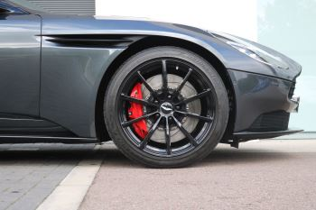 Aston Martin DB11 V12 AMR 2dr Touchtronic FREE SERVICING  image 16 thumbnail