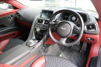 Aston Martin DB11 V12 AMR 2dr Touchtronic FREE SERVICING  image 18 thumbnail