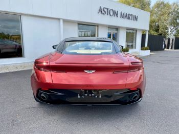 Aston Martin DB11 V12 Launch Edition Coupe. Bang & Olufsen Beosound Audio. Black brake calipers. Ventilated Seats image 6 thumbnail