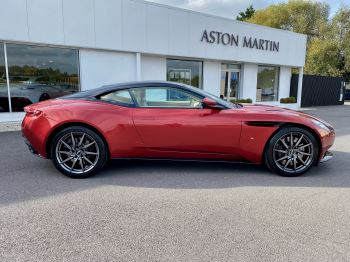 Aston Martin DB11 V12 Launch Edition Coupe. Bang & Olufsen Beosound Audio. Black brake calipers. Ventilated Seats image 8 thumbnail