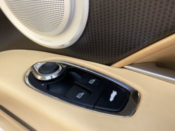 Aston Martin DB11 V12 Launch Edition Coupe. Bang & Olufsen Beosound Audio. Black brake calipers. Ventilated Seats image 33 thumbnail
