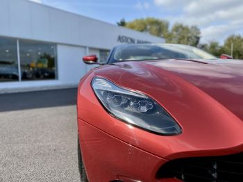 Aston Martin DB11 V12 Launch Edition Coupe. Bang & Olufsen Beosound Audio. Black brake calipers. Ventilated Seats image 12 thumbnail