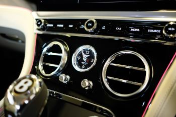 Bentley Continental GT 4.0 V8 - Mulliner Driving Specification with Black Painted Wheels - Touring and Centenary Spec image 54 thumbnail